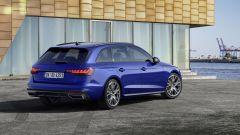Audi MY 2022: A4, visuale di 3/4 posteriore