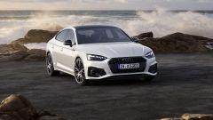 Audi MY 2022: A5, visuale di 3/4 anteriore