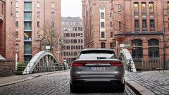 Audi MY 2022: Q8, visuale posteriore