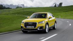 Audi Q2: la versione Design risulta più massiccia e rispetto alla sorella in allestimento Sport