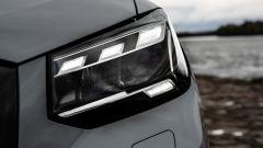 Audi Q2: particolare dei gruppi ottici anteriori