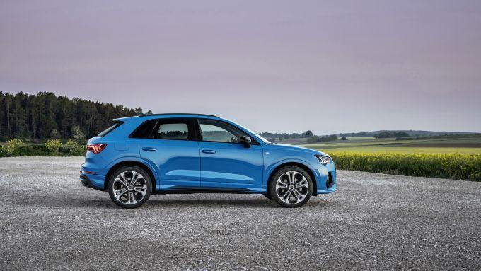 Audi Q3 TFSI e: visuale laterale
