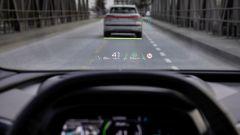 Audi Q4 e-tron: il video dell'HUD con la realtà aumentata
