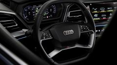 Audi Q4 e-tron: il volante con i comandi touch accesi