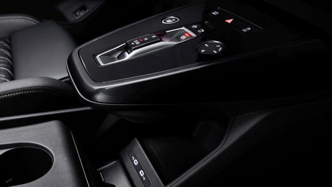 Audi Q4 e-tron: la console centrale sporgente