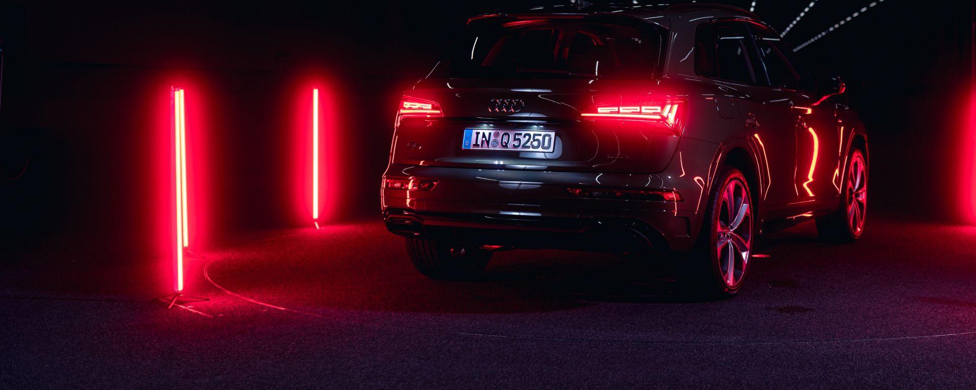 Audi Q5 2021, fari posteriori Digital OLED
