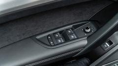 Audi Q5 40 TDI quattro S tronic S line plus 2021, dettaglio del pannello porta