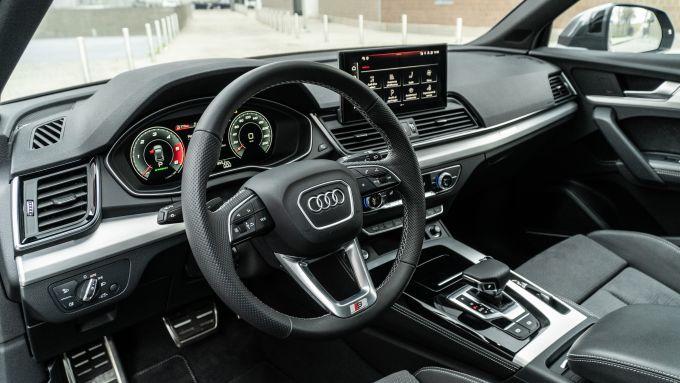 Audi Q5 40 TDI quattro S tronic S line plus 2021, l'interno