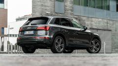 Audi Q5 40 TDI quattro S tronic S line plus 2021, vista 3/4 posteriore