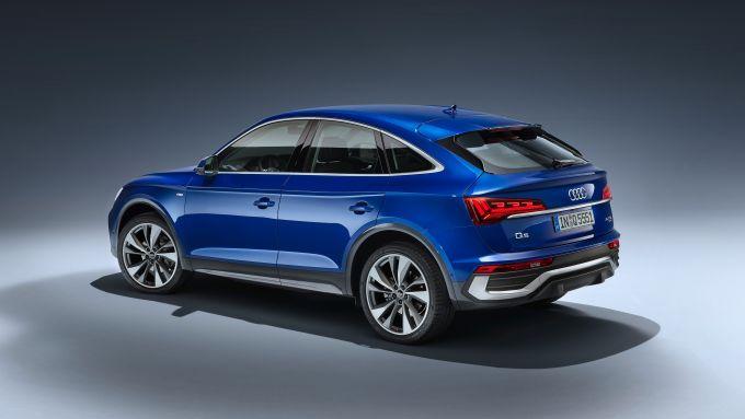 Audi Q5 Sportback 2021: 510 litri, che diventano 1.480 coi sedili abbassati