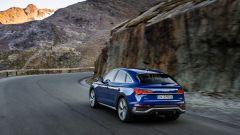 Audi Q5 Sportback 2021: come ogni coupé che si rispetti, il tetto è spiovente rispetto alla versione standard