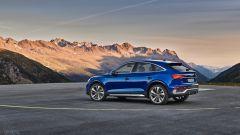 Audi Q5 Sportback 2021 ha sospensioni con assetto sportivo e le pneumatiche adattive a richiesta
