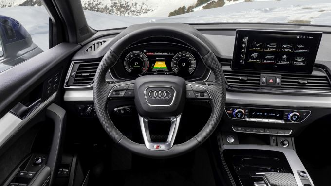 Audi Q5 Sportback TFSI e: gli interni