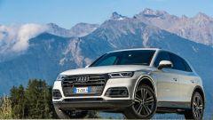 Audi Q5 TFSI e quattro 2020: visuale di 3/4 anteriore
