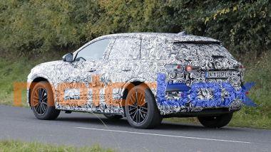 Audi Q6 e-tron: visuale di 3/4 posteriore