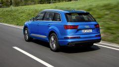 Audi Q7 2019: vista 3/4 posteriore