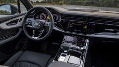 Audi Q7 plug-in hybrid: gli interni