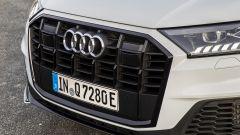 Audi Q7 plug-in hybrid: la griglia anteriore