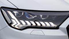 Audi Q7 plug-in hybrid: particolare dei fari a LED