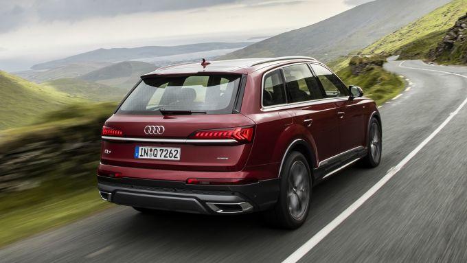 Audi Q7 restyling, così grosso eppure così agile