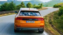 Audi Q8, il lato-B ha una banda nera che ne sottolinea la larghezza