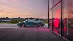 Audi R8 green hell: vista laterale
