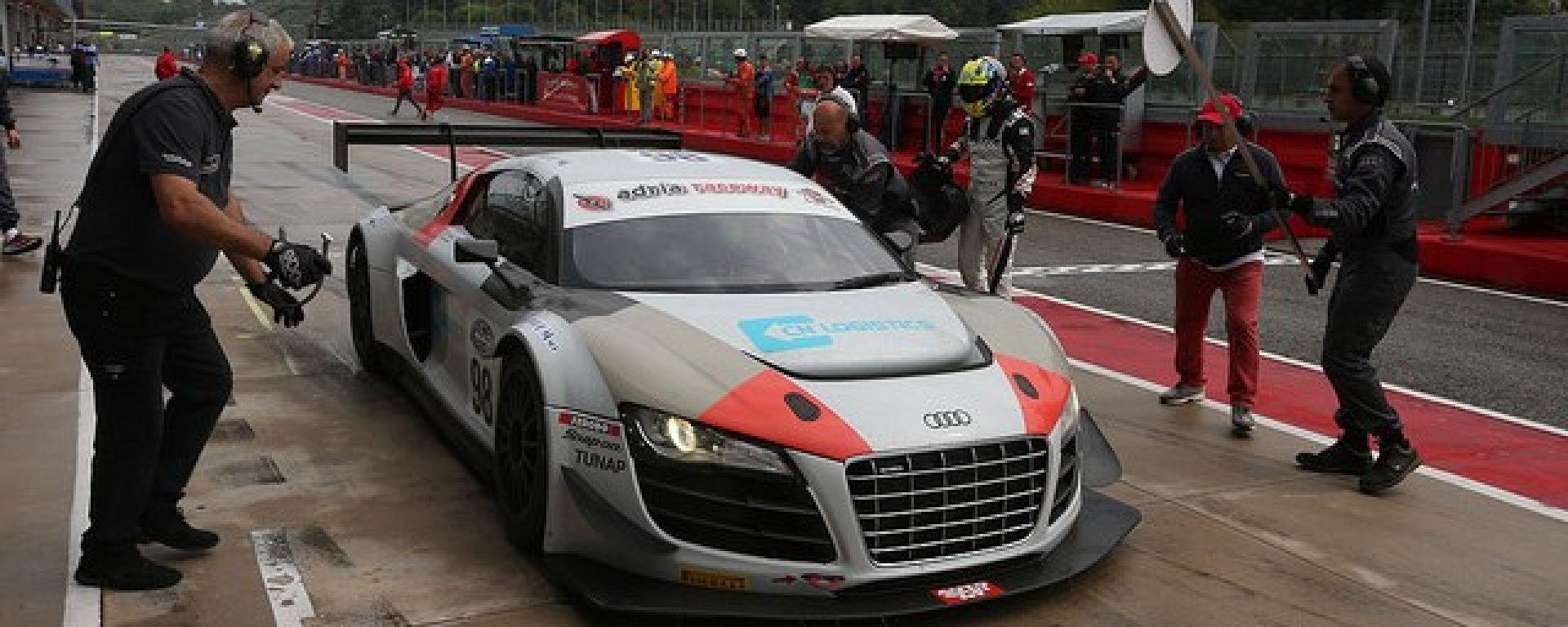 Audi R8 Ultra sul Circuito di Imola