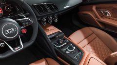 Audi R8 2019: restyling per coupé e spyder, rimane il V10 - Immagine: 28