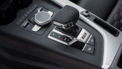Audi RS 5 Coupé 2017: la leva del cambio tiptronic a 8 marce