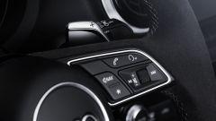 Audi RS3 2017: dettaglio dei comandi al volante