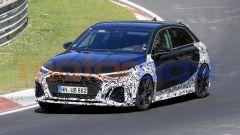 Audi RS3, nuove foto spia: 3/4 anteriore