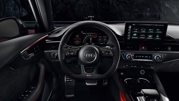 Audi RS4 Avant: gli interni