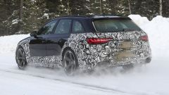 Audi RS4 Facelift: le prime foto spia - Immagine: 7