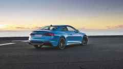 Audi RS5 Coupé 2020, vista 3/4 posteriore
