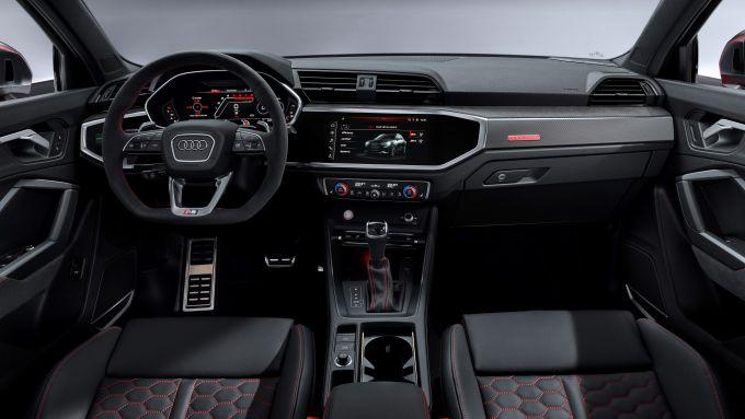 Audi RSQ3: l'abitacolo