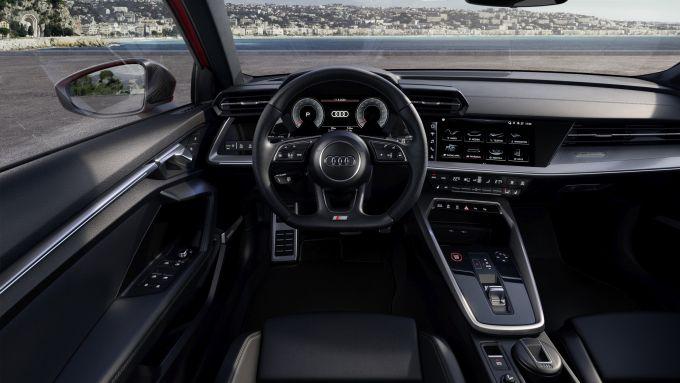 Audi S3 Sedan: il posto di guida