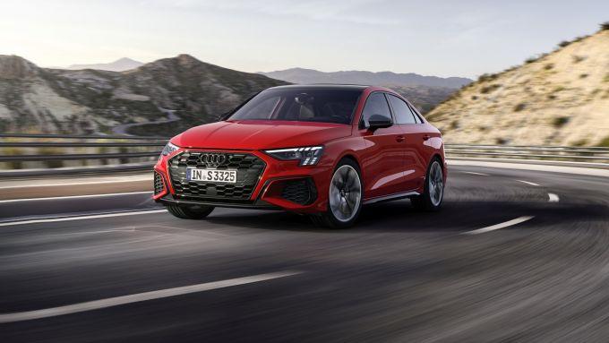 Audi S3 Sedan: visuale di 3/4 anteriore