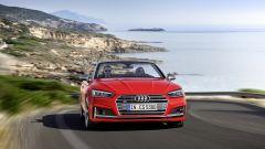 Audi S5 Cabrio: la velocità massima è di 250 km/h