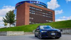 Audi S6 Avant TDI quattro tiptronic 2019 davanti al museo d'arte di Aarhus