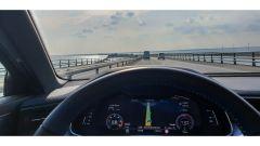 Audi S6 Avant TDI quattro tiptronic 2019 sul ponte Storebæltsbroen, tra i più lunghi della Danimarca
