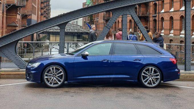 Audi S6 Avant TDI quattro tiptronic, potenza e comfort