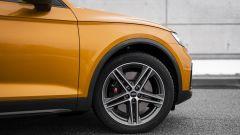 Audi SQ5 Sportback TDI: la ruota anteriore da 20