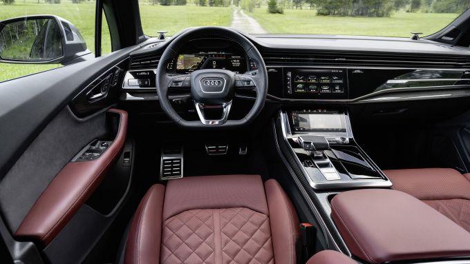 Audi SQ7: gli interni