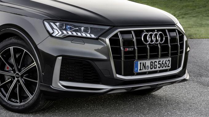 Audi SQ7: la griglia anteriore