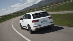 Audi SQ7 TDI: prova video della Suv con compressore elettrico - Immagine: 8