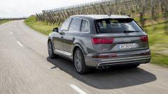 Audi SQ7 TDI: prova video della Suv con compressore elettrico - Immagine: 12