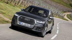 Audi SQ7 TDI: prova video della Suv con compressore elettrico - Immagine: 14