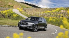 Audi SQ7 TDI: prova video della Suv con compressore elettrico - Immagine: 15