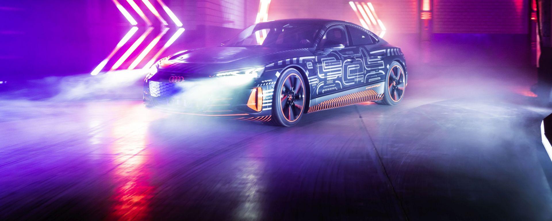 Audi stop sviluppo motori a combustione: la e-tron GT durante la presentazione