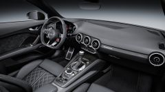 Audi TT RS Roadster 2016, plancia